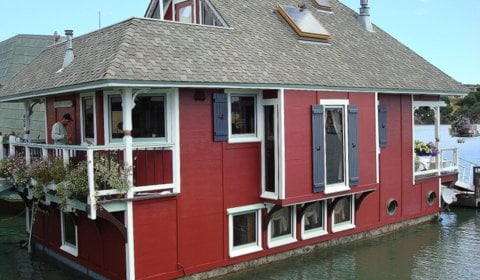 Houseboat Painting Services